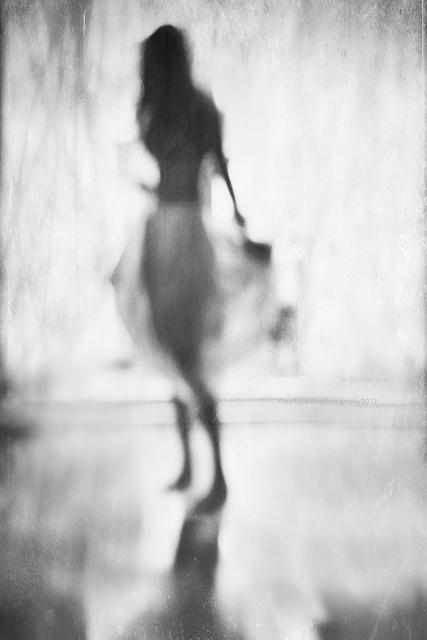 blurry-girl