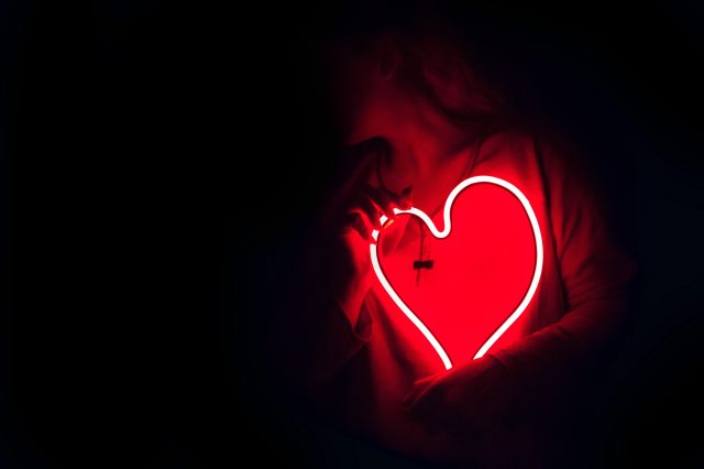 heart-shaped-red-neon-signage-887349